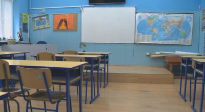 Част от учениците от най-голямата гимназия в Търговище минават на онлайн обучение