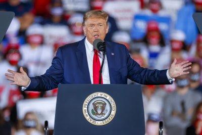 """Въвеждат опция """"изключване на микрофона"""" в последния дебат Тръмп - Байдън"""