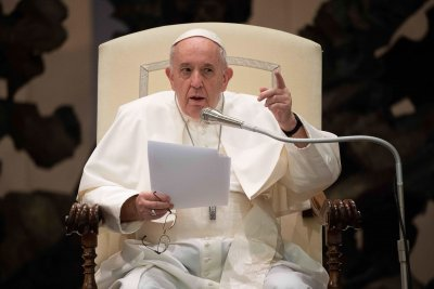 Папа Франциск изрази подкрепа за еднополовите бракове