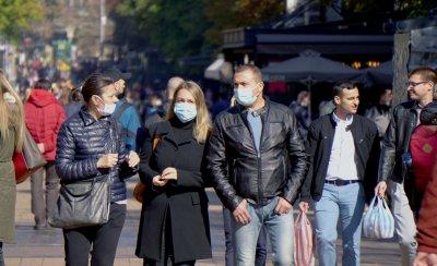 Спазват ли софиянци забраната за носене на маски на открито?