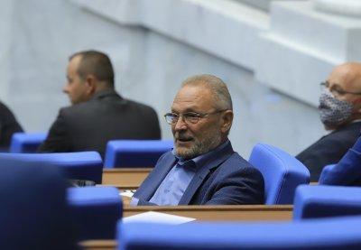 Още един депутат напусна ПГ на БСП и стана независим