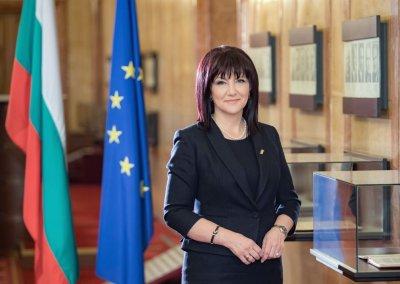 Цвета Караянчева покани европейски наблюдатели на парламентарните избори