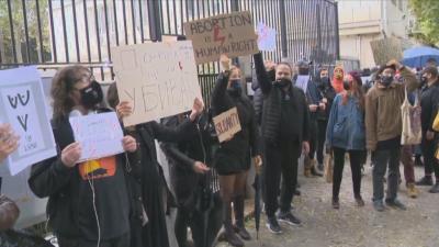 Протест пред посолството на Полша в София заради забраната на абортите