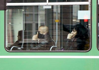 Много санкционирани за неносене на маски в градския транспорт в София