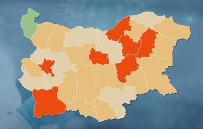 """Русе е в """"червената зона"""" за COVID-19: Затварят баровете и дискотеките"""