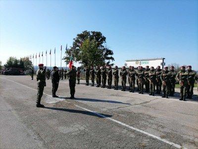 """Каракачанов прие почетния строй на най-голямото учение на сухопътни войски """"Балканска стена 2020"""""""
