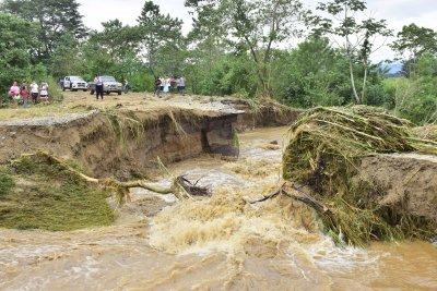 Ураганът Ета връхлетя Никарагуа (Снимки)