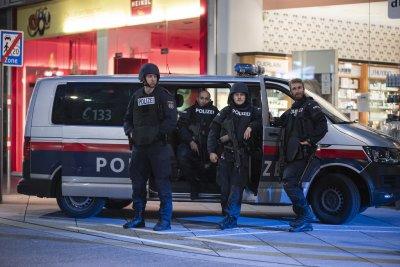 Арестуван е заподозрян за атаката във Виена