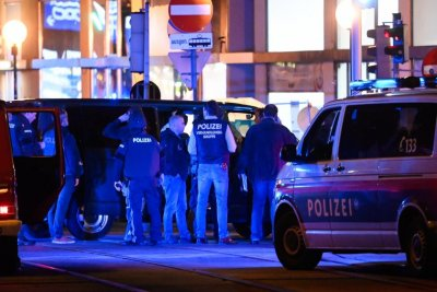 МВнР: Няма данни за пострадали български граждани при стрелбата във Виена