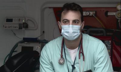 """""""Една нощ в линейка"""": Защо доктор Лунд предпочете да работи в Германия"""