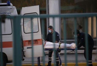 Гърция затяга мерките, ситуацията в Солун е критична