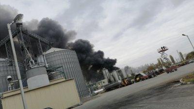 Пожарът в завода в Катуница е потушен. За момента производството е спряно