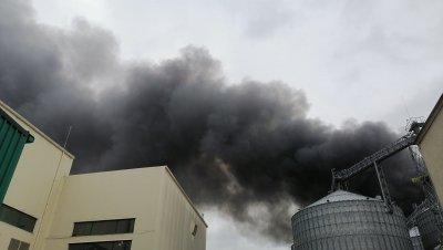 Няма обгазяване след пожара във фабрика в Катуница