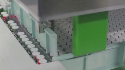 Ваксината срещу COVID-19 достъпна за хората чак през май, ЕК договаря утре 300 млн. дози
