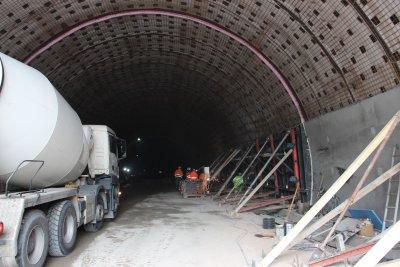 """Приключва ремонтът на тунел """"Витиня"""" в тръбата към София"""