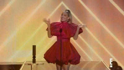 """Дженифър Лопес стана """"Икона на годината"""" на People's Choice Awards. Кои са другите победители?"""