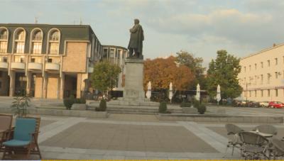 """Ще затворят ли Благоевград за три седмици - """"за"""" и """"против"""" предложението"""