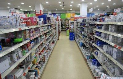 Съюзът на фармацевтите подкрепя идеята за повече денонощни аптеки, но е против лекарства в супермаркетите