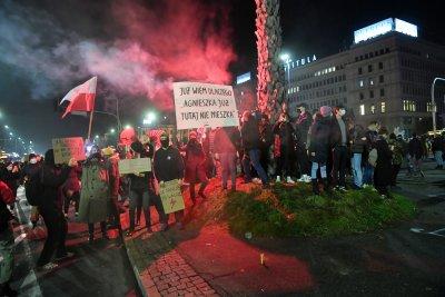 Протести в Полша срещу абортите и реакцията на властта на COVID кризата