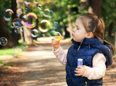Педиатър: Децата да бъдат на открито и да запазят физическа си активност