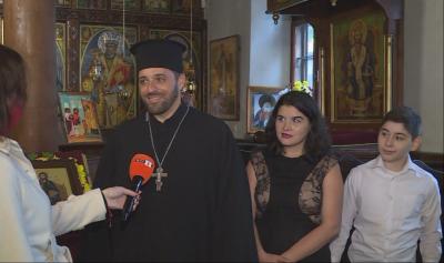 Традициите и ценностите в семейството на свещеник от Варна с шест деца