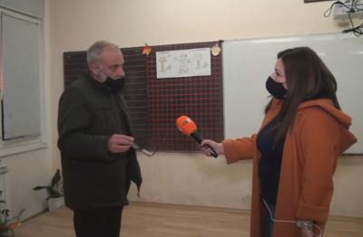 Емоционален пост на училищен директор от Карлово предизвика вълна от реакции и коментари