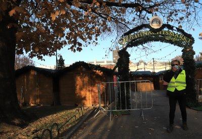 Без маси и консумация на място на Коледните базари в София