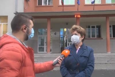 Родители доброволци от Бургас влизат в училищата като преподаватели