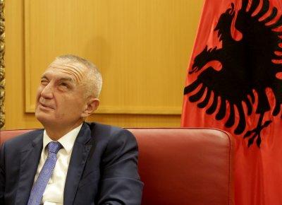 Глобиха президента на Албания за нарушаване на COVID мерките