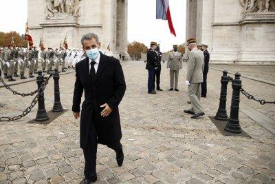 Саркози заплашен от глоба и 10 години затвор. Ще оправдаят ли бившия френски президент за парите от Кадафи?