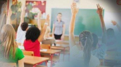 Част от учениците от 5-и до 12-и клас се завръщат в училище днес