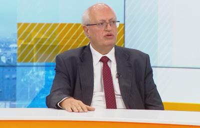 Доц. Спасков: Наплашихме населението да търси директно болница при случай на COVID-19