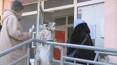 От първо лице - екип на БНТ влезе в болницата в Русе