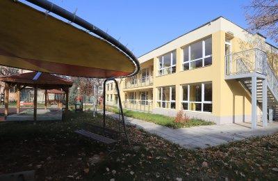Две детски градини в София ще поемат около 80 деца на лекари в COVID отделения