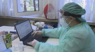 При 2 симптома: Личните лекари ще издават направление за PCR тест