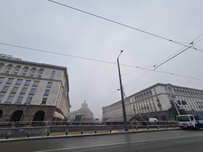 Опасно мръсен въздух на много места в страната и днес