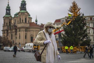 Чехия отваря магазини и ресторанти на 3 декември