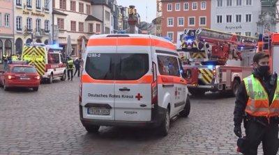 Кола се вряза в пешеходци в Германия, има жертви