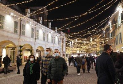 Италия няма да отхлабва мерките за празниците. Франция изгражда КПП-та по границите