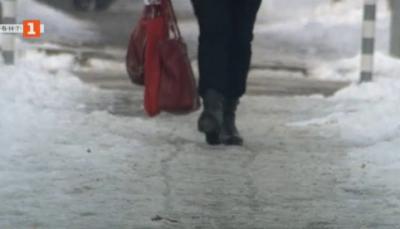 Между 100 и 700 лв. е глобата за непочистени тротоари пред блоковете в столицата