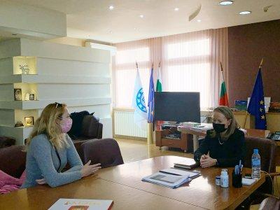 Студенти и стажант-лекари от МУ-Пловдив стават доброволци в COVID отделенията