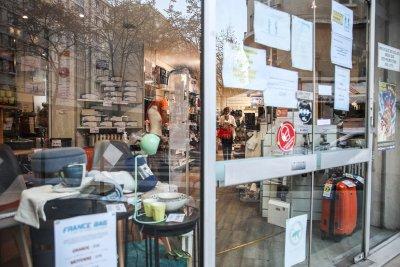 Европа разхлабва мерките - част от магазините отварят за празничното пазаруване