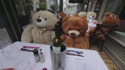 Мечета са новите клиенти в ресторант на Френската ривиера