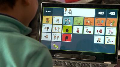 Да общуваш с поглед - как новите технологии помагат на невербалните деца