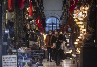 Екип на БНТ в Турция: Забраняват да се излиза навън от петък вечерта до понеделник сутринта