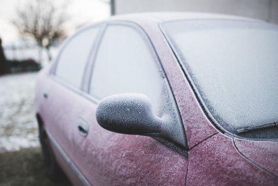 АПИ: Очакват се снеговалежи, шофьорите да карат внимателно