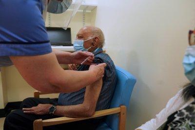 """Четири държави досега са одобрили ваксината на """"Пфайзер"""""""