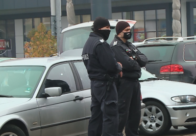 Засилено е полицейското присъствие в Пловдив заради струпване на хора в магазините