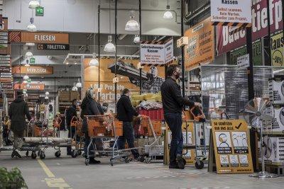 Магазините в Австрия отварят