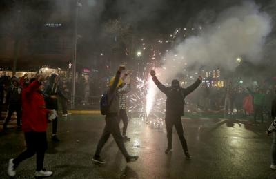 Не стихват сблъсъците между демонстранти и полицията в Тирана след убийството на млад мъж